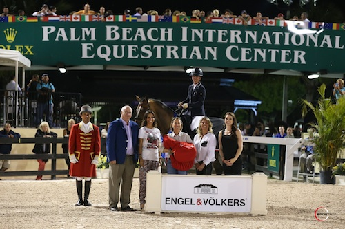 Lauren Hough and Böckmanns Lazio with ringmaster Gustavo Murcia, ESP's Michael Stone, owner Karina Rotenberg, and Amy Carr, Carol Sollak, and Rachelle List of Engel & Völkers.