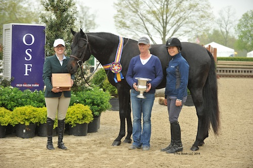 Alexandra Beaumont and Undergrad with trainers Molly Flaherty and Patty Peckham.
