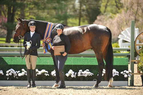 Caroline Dance and Show Time in their winning presentation with trainer Louise Serio.