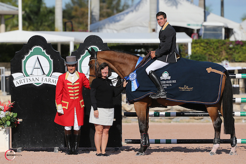 Eugenio Garza and Bariano in their winning presentation with ringmaster Gustavo Murcia and Carlene Ziegler of Artisan Farms