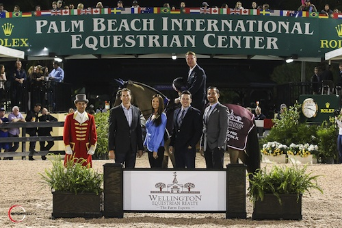 Ian Millar and Dixson in their winning presentation with the representatives of Wellington Equestrian Realty
