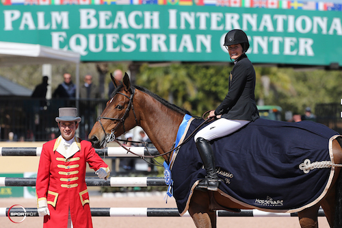 Jessica Springsteen and Davendy S in their winning presentation with ringmaster Gustavo Murcia