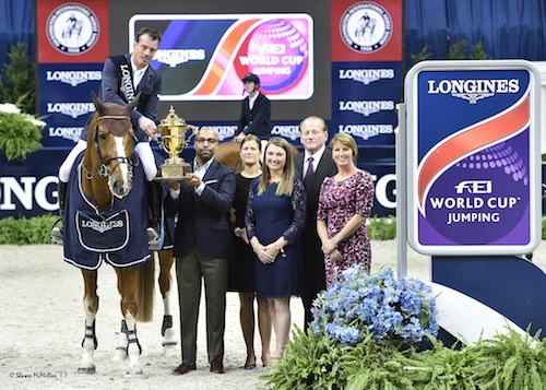 Harrie Smolders and Emerald in their winning presentation with Erik A. Moses, Senior Vice President, Managing Director - Sports and Entertainment, Events DC;  Bridget Love Meehan, WIHS Executive Director; Victoria Lowell, WIHS President; Greg Gingery, WIHS Chairman; and Connie Sawyer, Manager of the Longines FEI World Cup™ Jumping North American League.