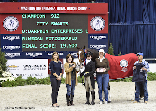City Smarts and Megan Fitzgerald in the WIHS Regional Hunter Horse championship presentation