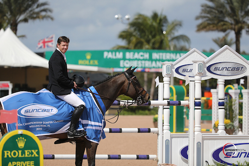 Shane Sweetnam and Buckle Up in their winning presentation.