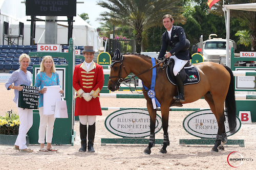 Darragh Kenny and Chanel in their winning presentation with Ann Louise Cook and Suzie Reed of Illustrated Properties, and ringmaster Christian Craig.