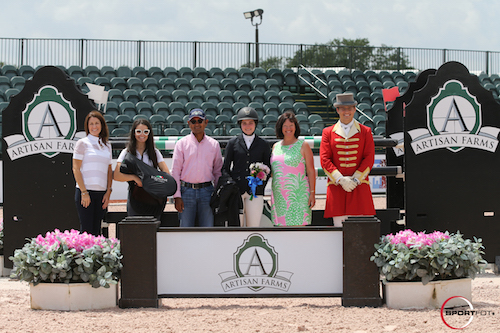 Kelli Cruciotti in her winning presentation with Kelli Molinari of Equiline; Jessica Leto, Manager of Equiline Saddle Division; Tim Dutta of the Dutta Corp.; Carlene Ziegler of Artisan Farms; and ringmaster Christian Craig.