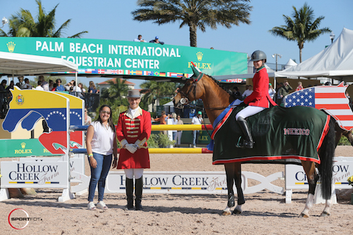 Luciana Gonzalez Guerra and Zidane in their winning presentation with Maria Andrade of Hollow Creek Farm and  ringmaster Christian Craig.