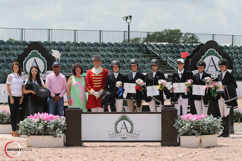 The top six riders in the series of Kelli Cruciotti, Madison Goetzmann, Tina Yates, Lucas Porter, Lucy Deslauriers, and Brett Burlington with Kelli Molinari and Jessica Leto of Equiline; Tim Dutta of the Dutta Corp.; Carlene Ziegler of Artisan Farms; and ringmaster Christian Craig.