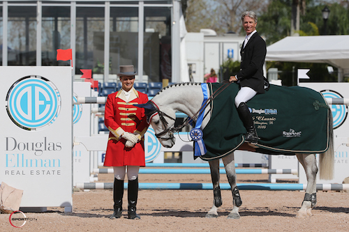 Richard Spooner and Mighty Mouse in their winning presentation with ringmaster Christian Craig.